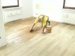 Renowacja zniszczonych podłóg drewnianych