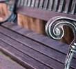Czym zabezpieczać drewniane meble ogrodowe z metalowymi elementami?
